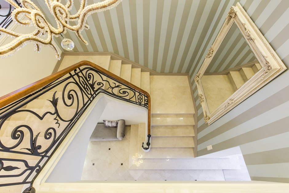 interiors-hotel-residential-staircase.jpg